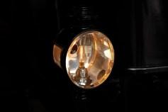 Luzes elétricas eram muito mais fácil de usar que as de carbureto dos carros a gasolina