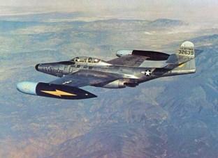 Os casulos das asas tinham pintura fosca e/ou preta, para evitar reflexos para os tripulantes