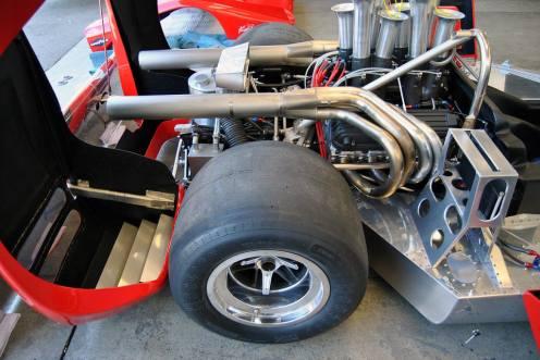 Motor V-8 de mais de 8 litros do Lola T222 (canepa)