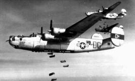 Consolidated B-24 Liberator. Embora não tenha a mesma fama das Boeing B-17, o B-24 foi produzido em numero significativamente maior (bombercommand.ca)