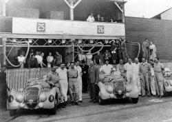 Os carros prontos para a corrida de 1938 (Simeone)