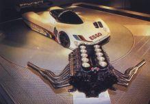 Uma bela mostra, carro e motor!