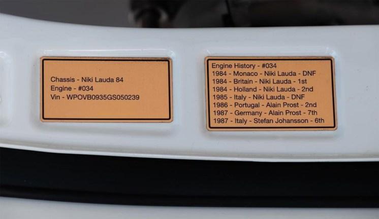 As plaquetas que contam um pouco da história de cada um dos motores a serem utilizados na conversão