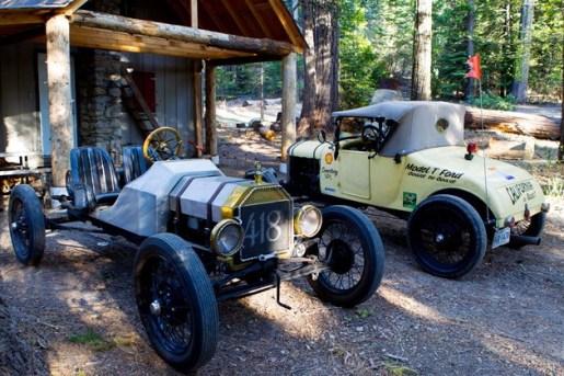 Já na California, um entusiasta e dono de Model T Speedster os convida para passar a noite em sua cabana