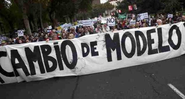 Sobre empoderamiento popular: Diez propuestas para no repetir la  capitulación que hemos conocido en Grecia
