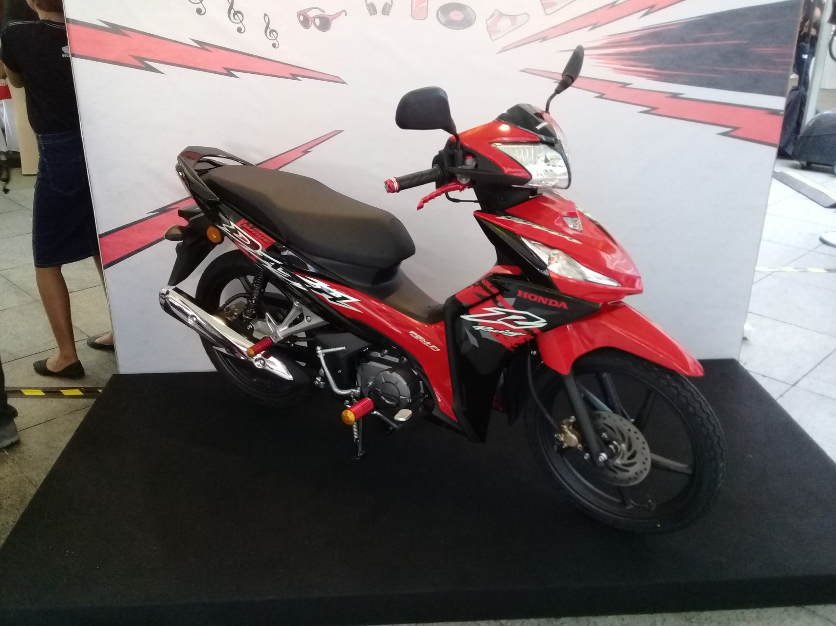 hight resolution of available in three colours the wave dash fi is priced at rm5 860 s type rm6 178 r type and rm6 337 repsol edition all come with a 2 year 20 000km