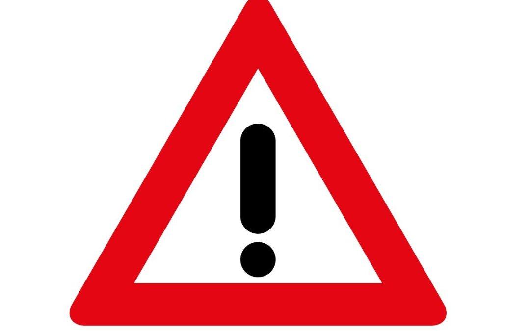 Señales de tráfico confusas: ¡Mucha precaución al volante!
