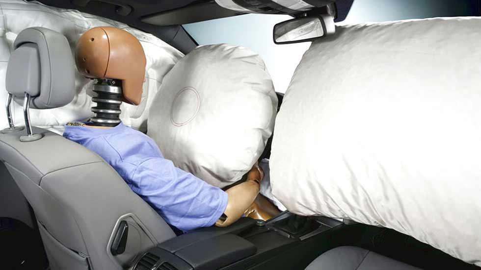 El airbag del coche: ¡Cuidado con los impactos en carretera!