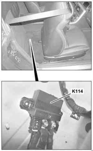 MercedesBenz SLK (R172; 2010  present)  fuse box
