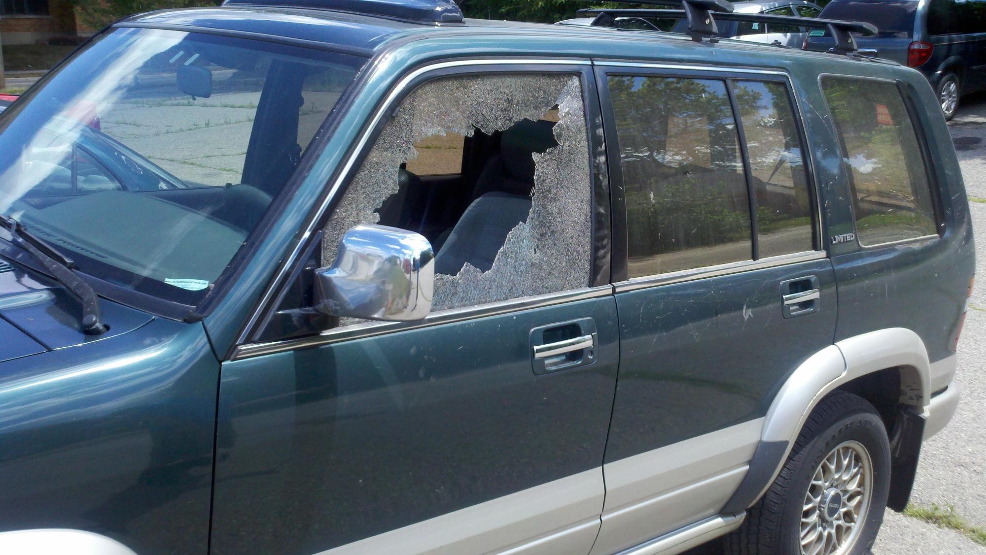 hight resolution of  2002 isuzu axiom windshield 1997 isuzu trooper 4 door utility door glass front driver side