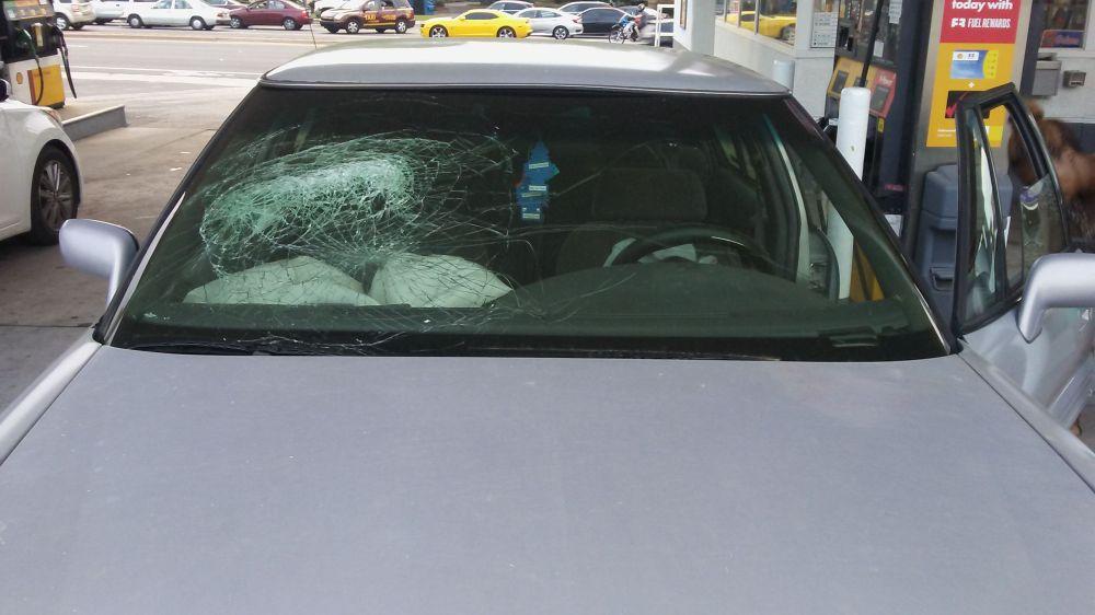 medium resolution of  1998 pontiac bonneville 4 door sedan windshield heads up display