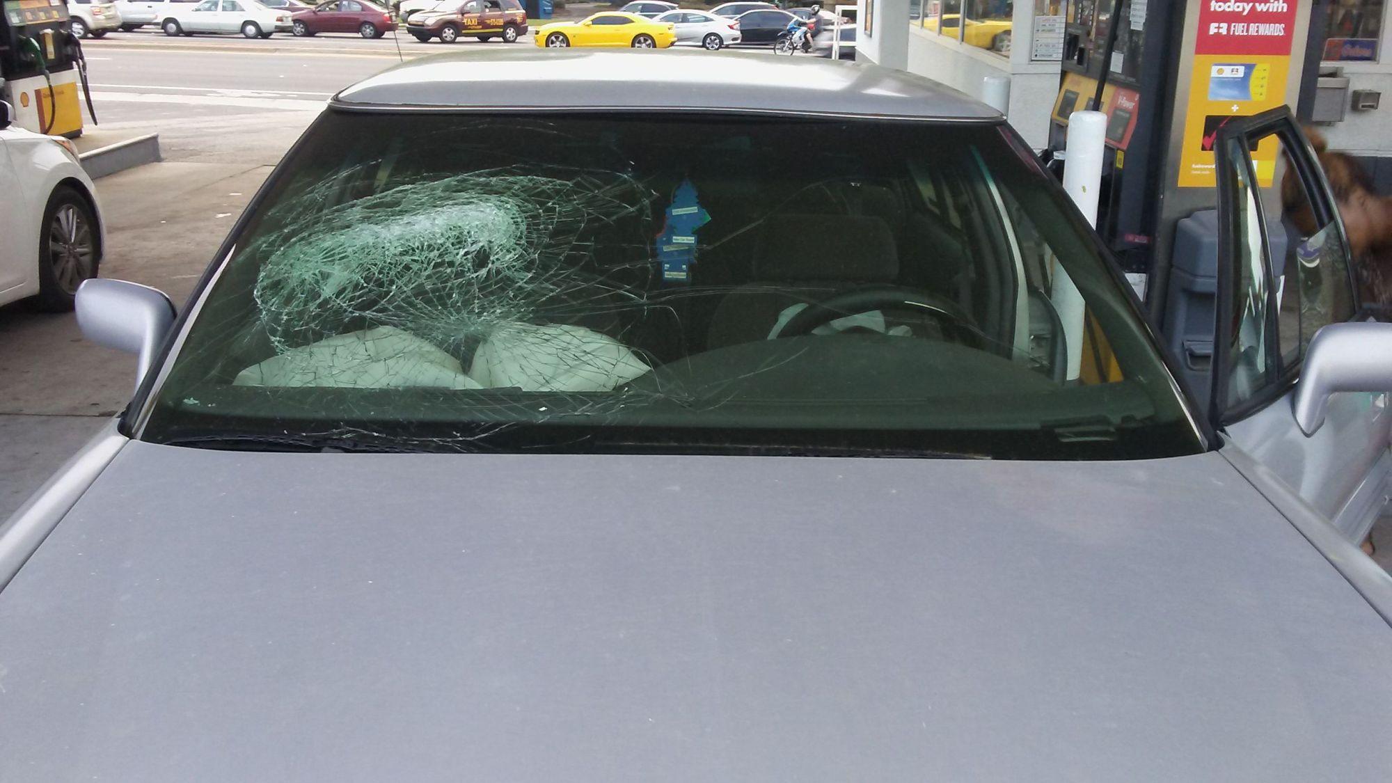 hight resolution of  1998 pontiac bonneville 4 door sedan windshield heads up display