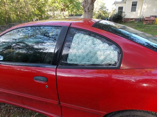 small resolution of  2002 pontiac sunfire 2 door coupe driver s side quarter glass