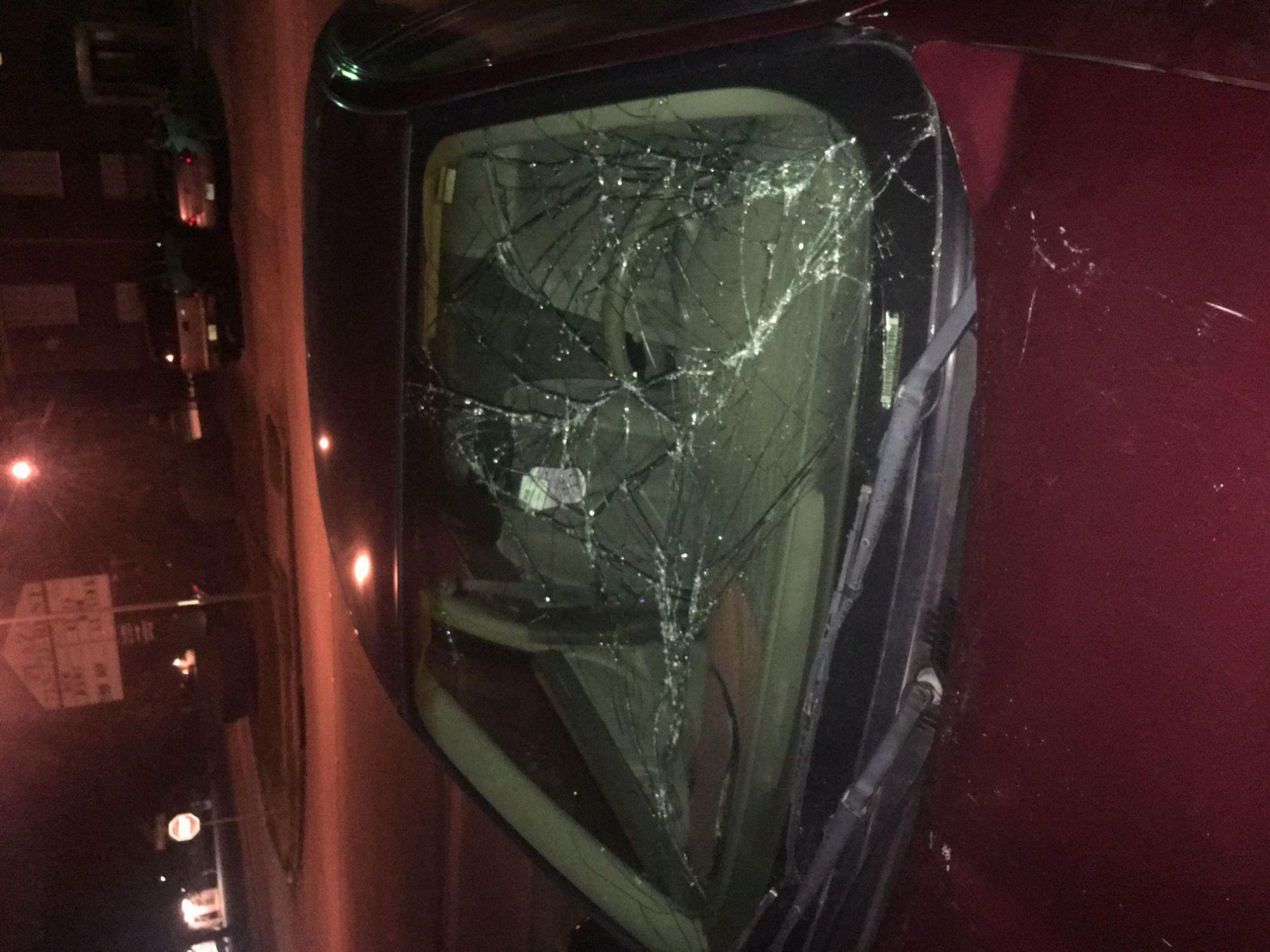 hight resolution of  2003 oldsmobile alero 4 door sedan windshield
