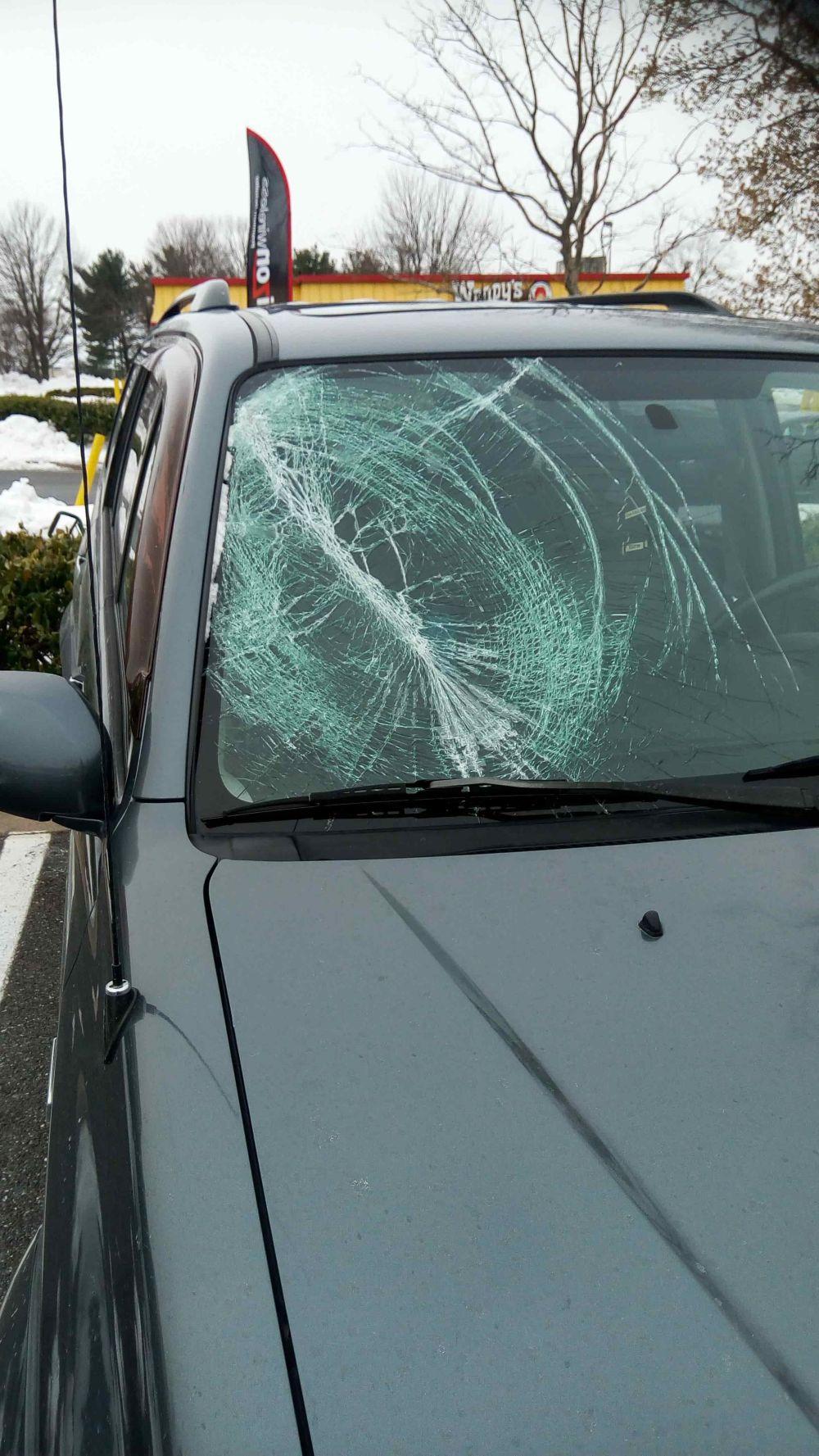medium resolution of 2013 suzuki grand vitara windshield 2004 suzuki xl 7 windshield