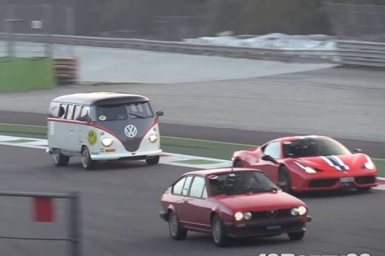 Η VW Transporter ακολουθεί τη Ferrari Speciale!  (+ βίντεο)