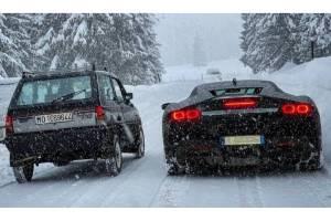 Το Fiat Panda το βάζει με τη Ferrari SF90 Stradale!
