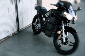 Motocileta lui Lennon Rodgers