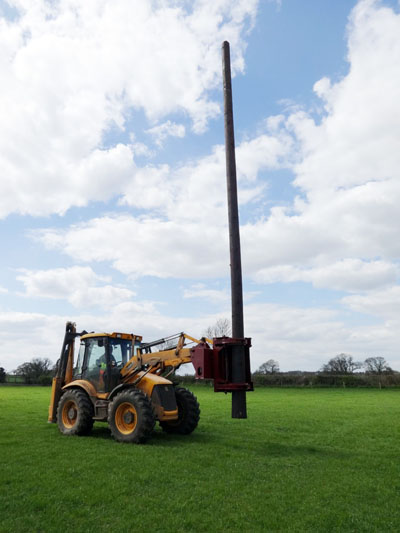 Autoguide Utility Pole Grab on JCB 4CX Excavator