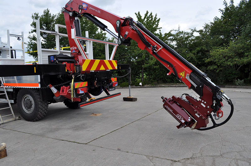 50,000PXV with Hydraulic Folding Bracket and Quick Hitch