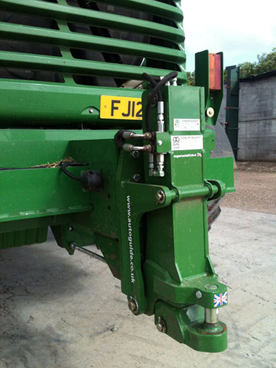 Autoguide Hydraulic Pick-up Hitch for John Deere self-propelled forage harvesters