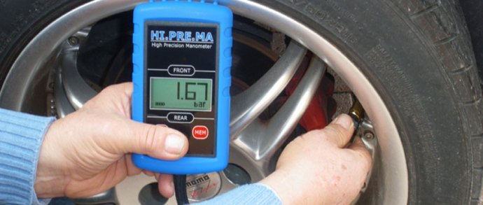digital-tyre-pressure-gauge