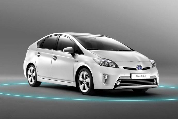 2012-Toyota-Prius-hybrid-1