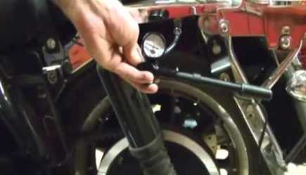 Harley Davidson Motorcycles : About Slobbering Oil Problems in a