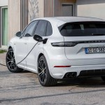 Porsche Cayenne Turbo S E Hybrid More Powerful Than A 911 Turbo S Auto News