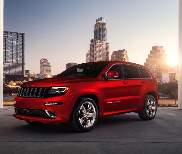 Red  Jeep Grand Cherokee Srt