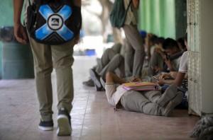 adolescentes-jovenes-instituto-escuela