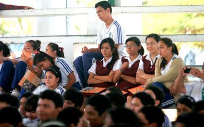 Autoridades ofrecen pláticas de cutting en escuelas de Chetumal – México