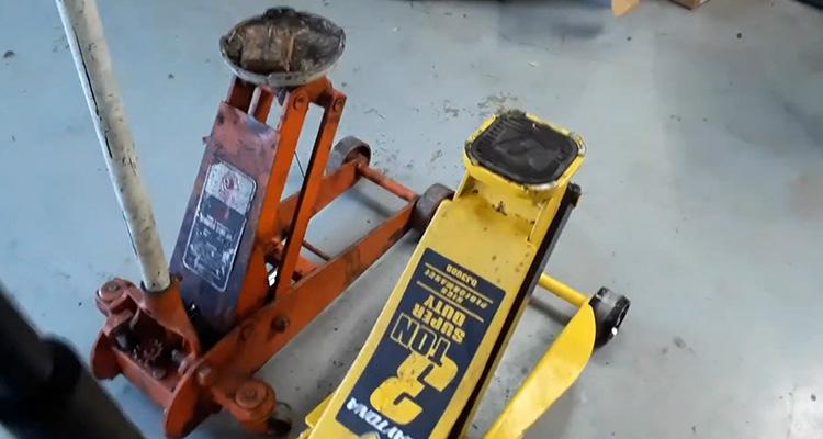 Orange vs Yellow Daytona Jack
