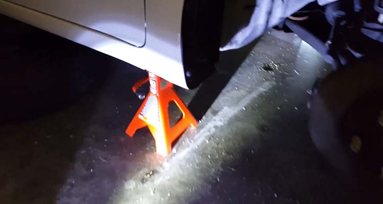 How To Jack Up A Car With A Floor Jack 9