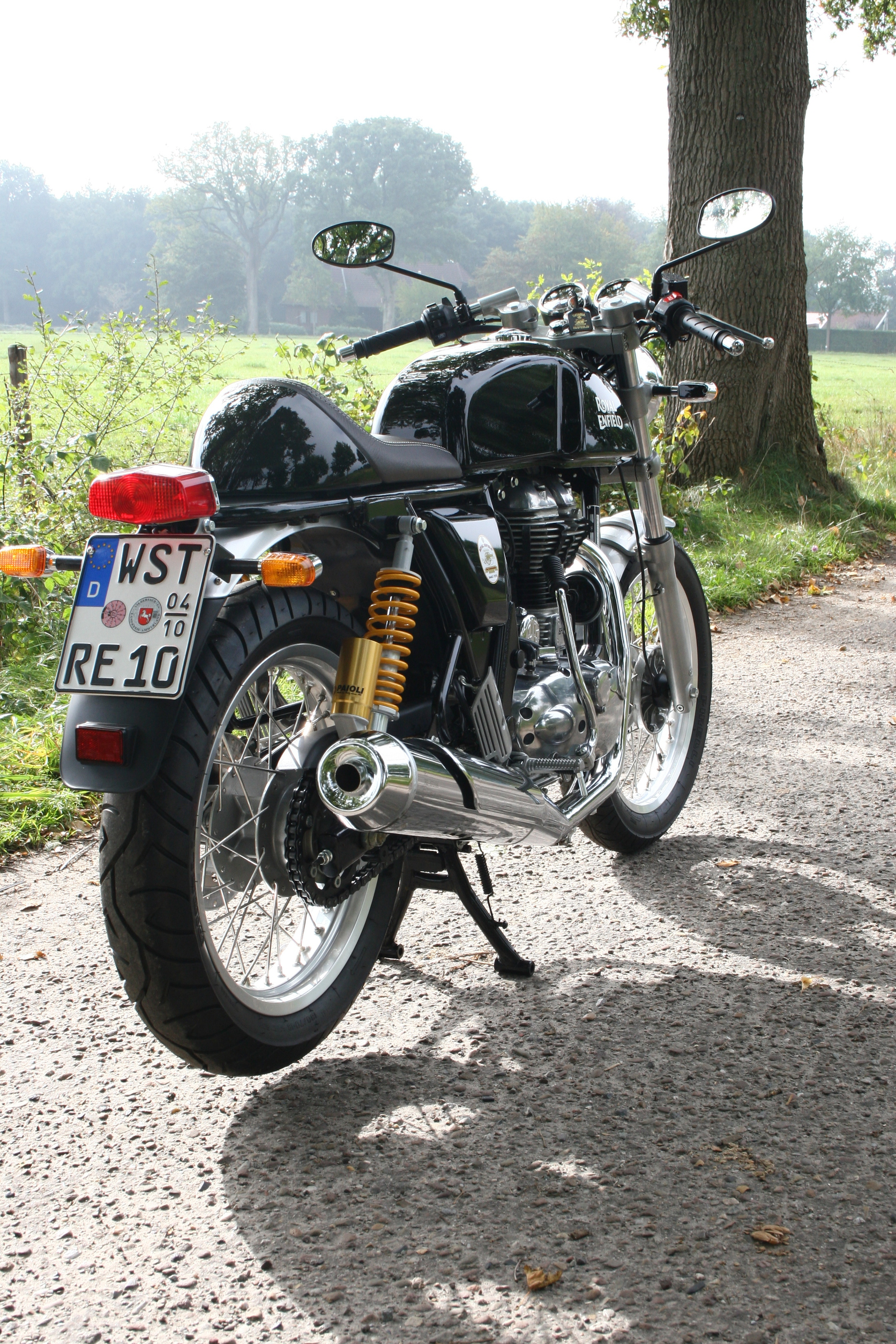 retro bikes sind in royal enfield continental gt. Black Bedroom Furniture Sets. Home Design Ideas