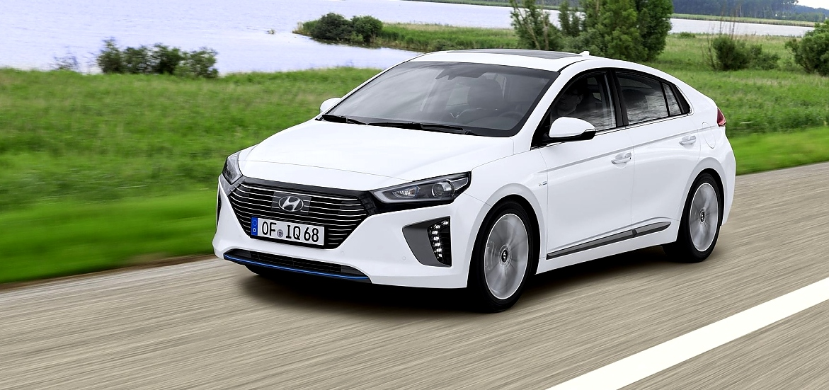 hyundai ioniq so fahren sich hybrid und e version. Black Bedroom Furniture Sets. Home Design Ideas