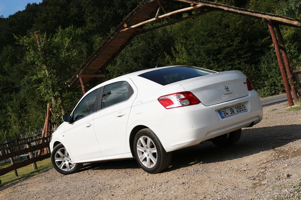 Peugeot_301_3