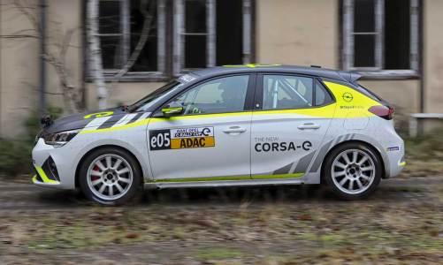 Opel Corsa e ralliye hazırlanıyor