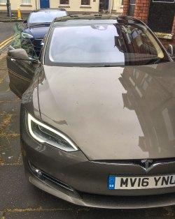 Tesla Model S - Last Gen and New Facelift