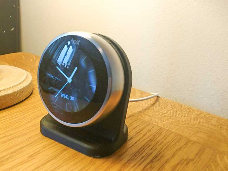 3D Printed Nest Thermostat Stand