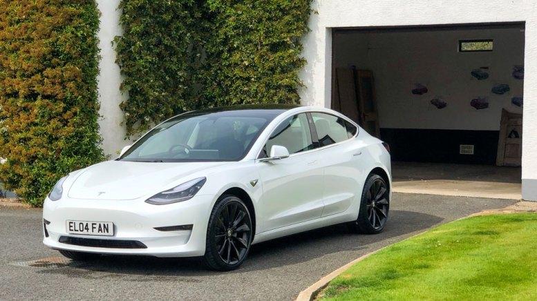 Tesla Model 3 - Garage