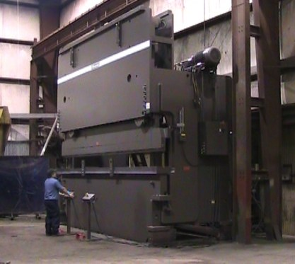 Standard Industrial Press Brake Model AB600-20