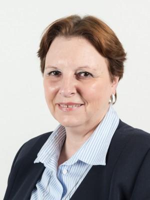 Angelika Raab