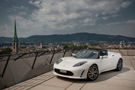 La Tesla Roadster blanche