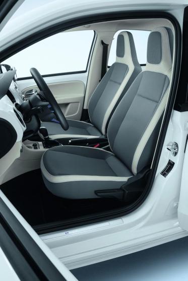 L'intérieur de la Volkswagen e-UP reçoit une sellerie spécifique