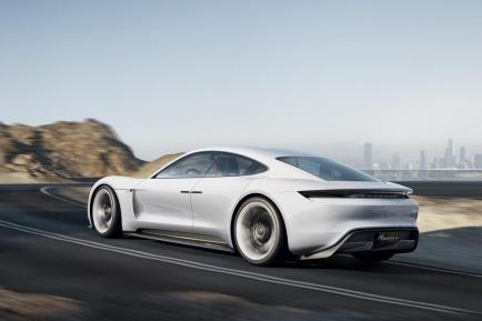 Porsche Mission E : elle va vous faire aimer l'électrique !