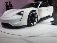 La Porsche Mission E a fait sensation à Francfort