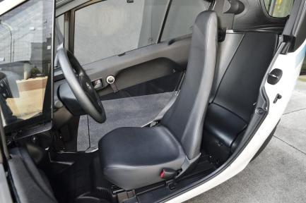 Le Toyota i-Road peut accueillir deux passagers assis en tandem