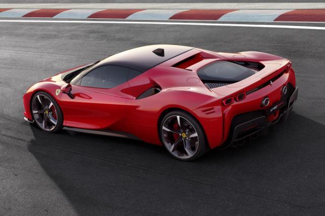 Ferrari SF90 Stradale : c'est elle !