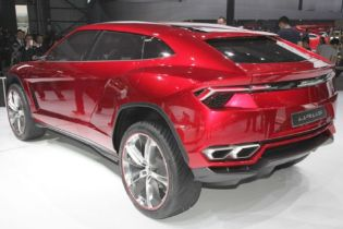 Lamborghini Urus Production Confirmed for Italy, SUV Launches in 2018